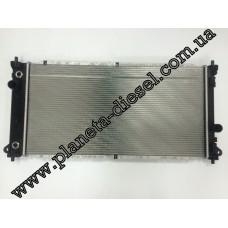Радиатор охлаждения двигателя A/Т